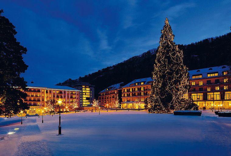 csm_Weihnachten_Resort_Winter_Beleuchtung_heller_8ec3249ecd.jpg
