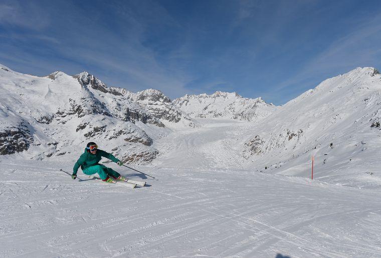 Skifahren-Aletschgletscher-4-Aletsch-Arena-Christian-Perret.JPG