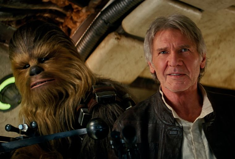 Star Wars The Force Awakens - Szenen - 36 Chewbacca (Peter Mayhew), Han Solo (Harrison Ford).jpg