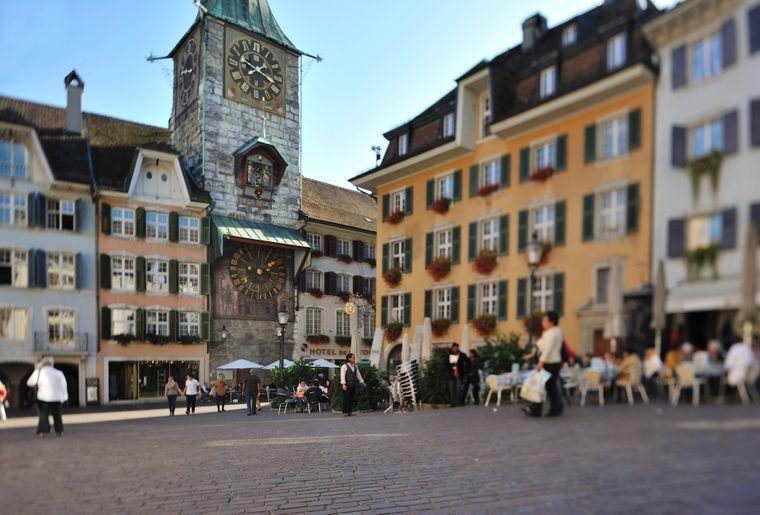 Solothurn Maeritplatz und Zytgloggeturm
