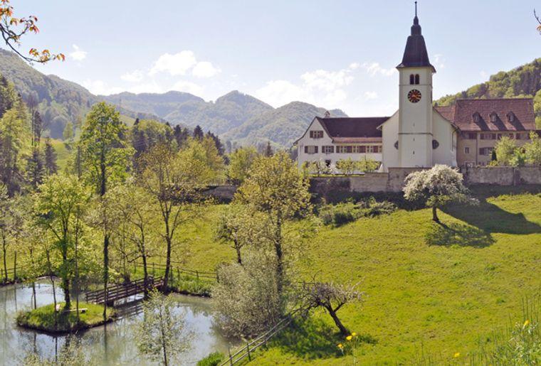Schwarzbubenland_kloster_beinwil_korr.jpg