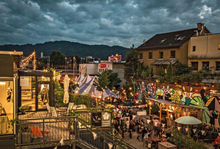 Abendstimmung im Gerold's Garten Zürich West - Sommer in der Schweiz.jpg
