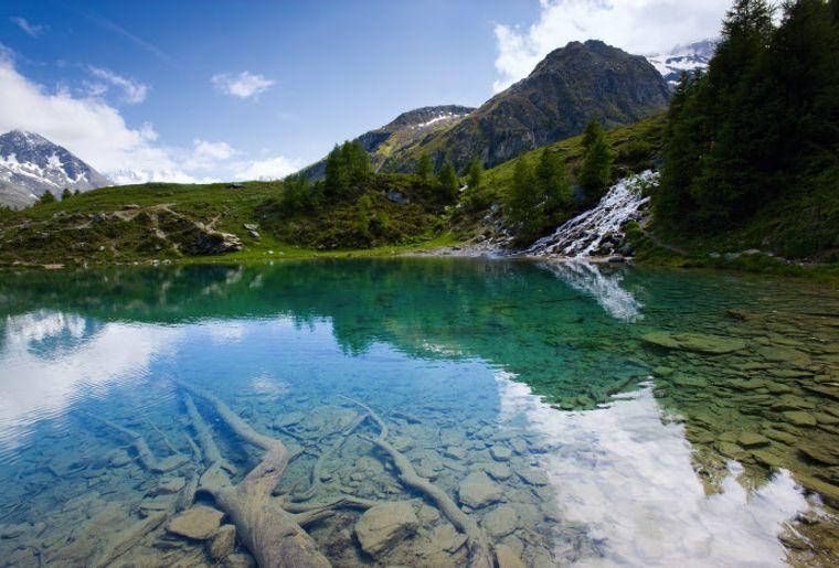 Blauer See bei Arolla - Sommer in der Schweiz.jpg