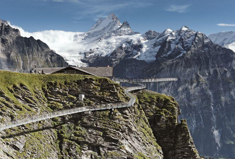 First Cliff Walk Grindelwald Jungfrau - Sommer in der Schweiz.jpg