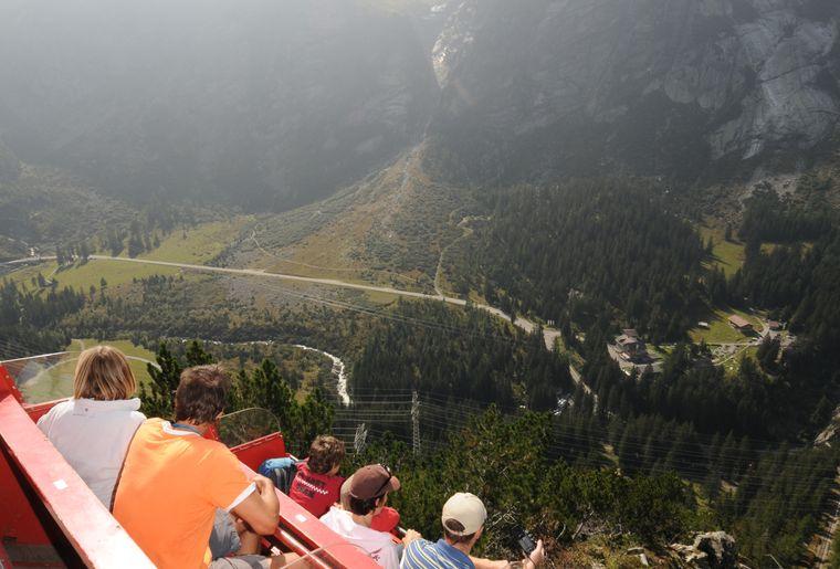 Gelmerbahn Rolf-Neeser - Sommer in der Schweiz.jpg