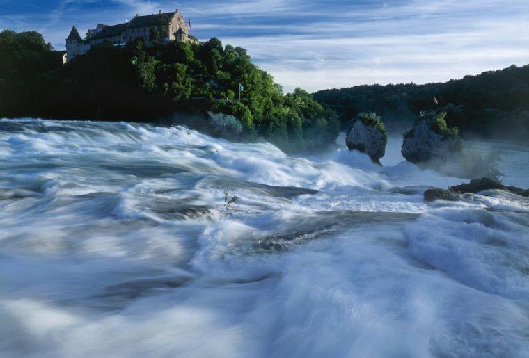 Rheinfall - Sommer in der Schweiz.jpg