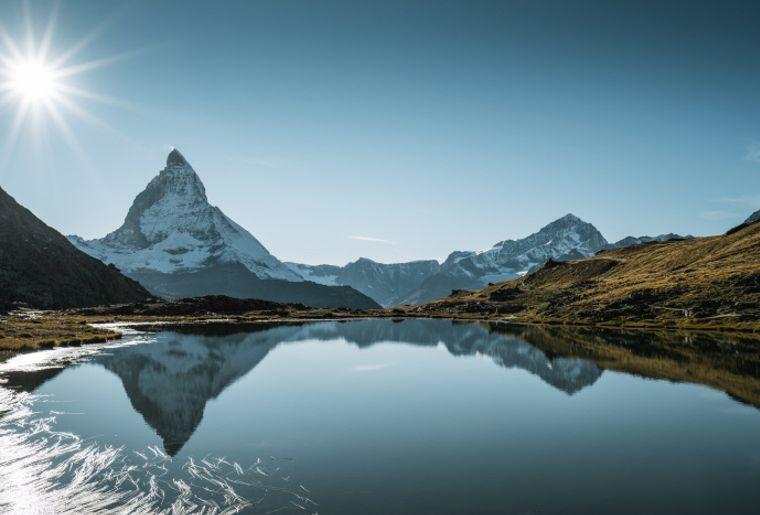 Riffelsee mit Matterhorn - Sommer in der Schweiz.jpg