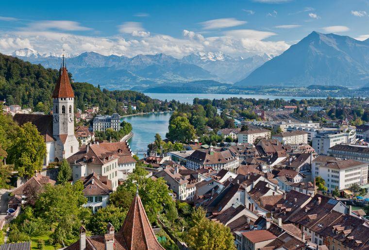 Stadt Thun - Sommer in der Schweiz.jpg