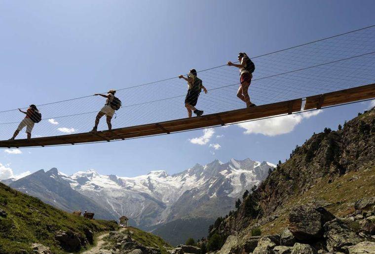 Wanderung im Saastal - Sommer in der Schweiz.jpg