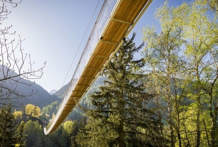 Goms Bridge Hängebrücke Wallis 3.jpg
