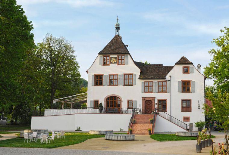 Schloss-Restaurant-Binningen.jpg