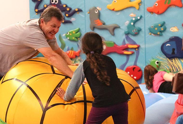 Starbie Spielhalle - Indoorspielplatz - Spielspass bei Eltern und Kinder.jpg