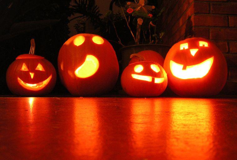 halloween-1554935.jpg