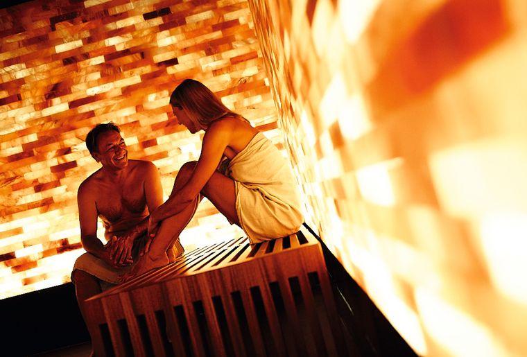 Paar in der Sauna.jpg