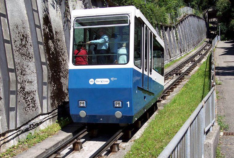 Seilbahn Rigiblick Bergbahn Zürich.jpg