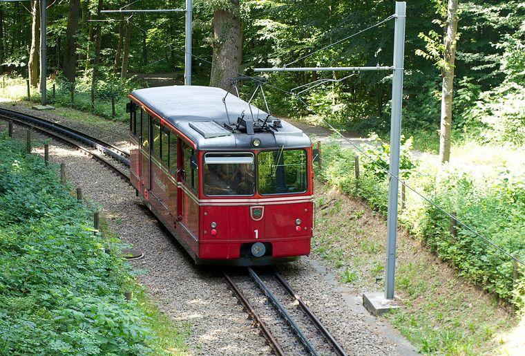 Dolderbahn Zürich Bergbahn Seilbahn.jpg