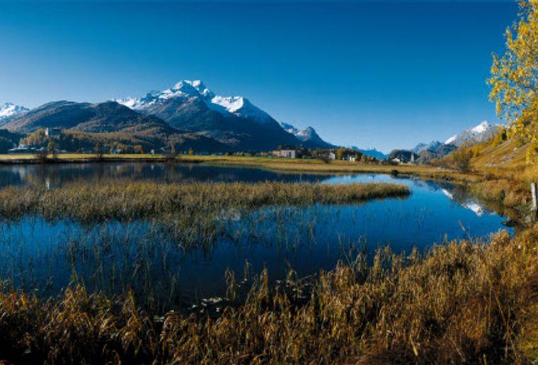 Sils-Baselgia (1799 m) im Oberengadin low res - Herbst in der Schweiz.jpg