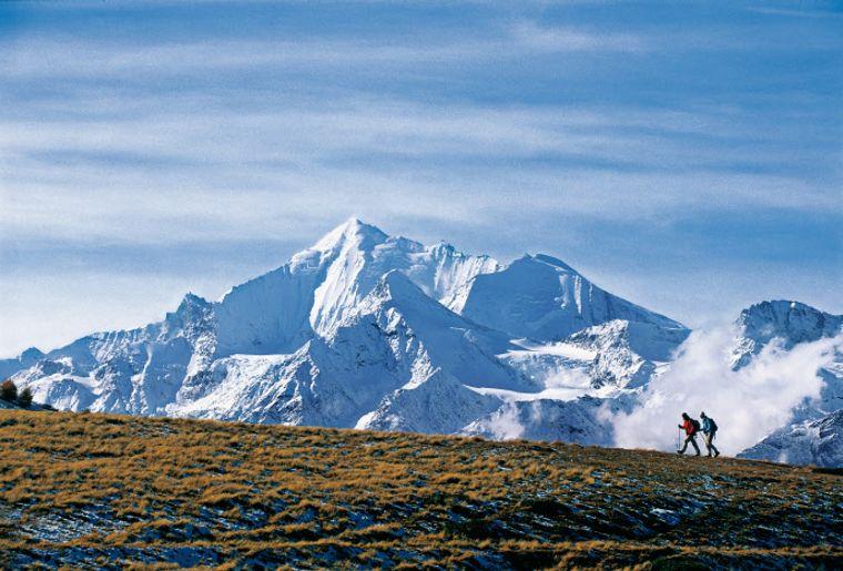 Weisshorn im Kanton Wallise Gebidumsee oberhalb von Visperterminen low res - Herbst in der Schweiz.jpg
