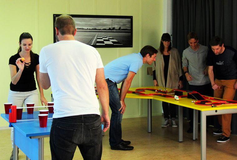 Battlepark Zürich Schwerzenbach Indoor Fun becherpong_spickrennen.jpg