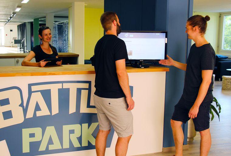 Battlepark Zürich Schwerzenbach Indoor Fun empfang.jpg