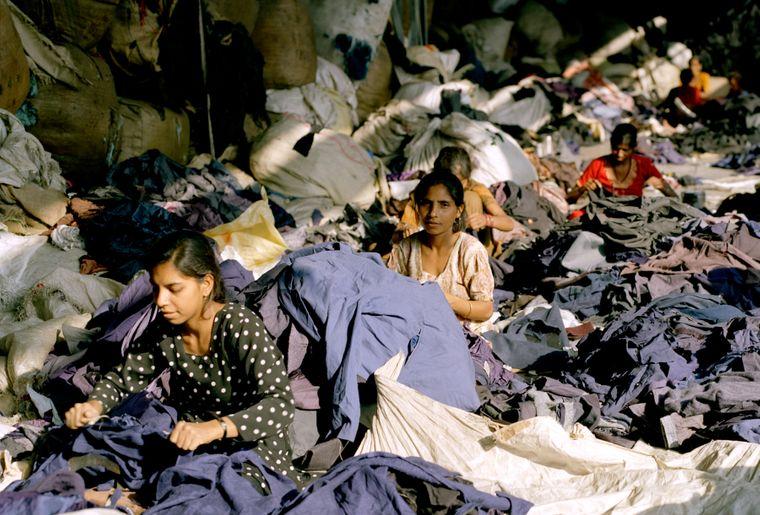 MKG_FastFashion_Mitchell_Clothing Recycled_5.jpg