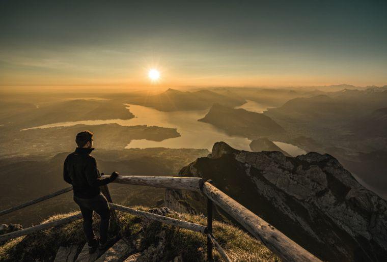Sonnenaufgang über vierwaldstättersee vom pilatus ivo scholz.jpg