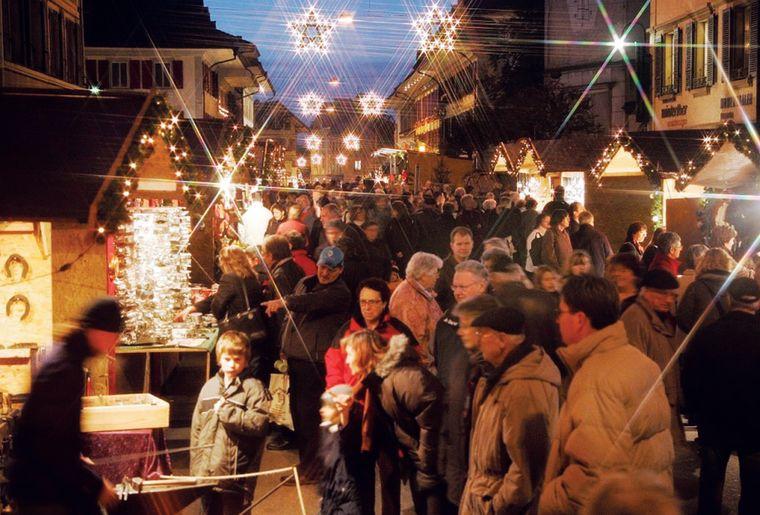 Huttwil_berner_weihnachtsmarktII.jpg