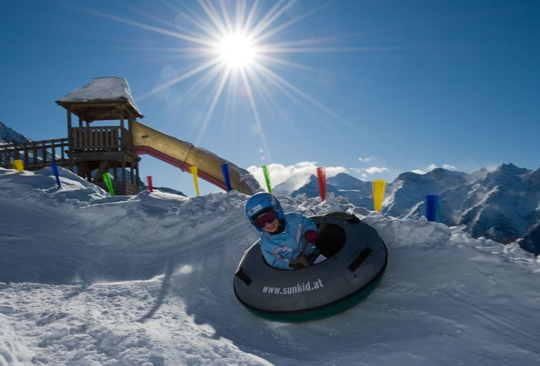 snowtube-graechen_front_large.jpg