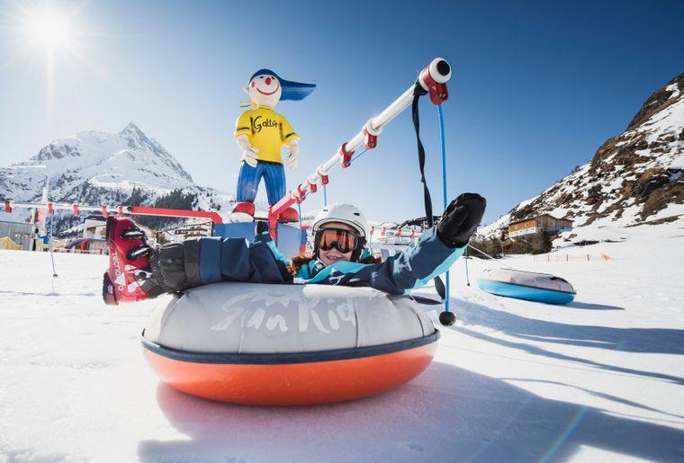 neues-angebot-fur-die-kleinsten-skihasen_spielplatz-schnee_-c-silvapark-galtur-andre-schoenherr-1-.jpg