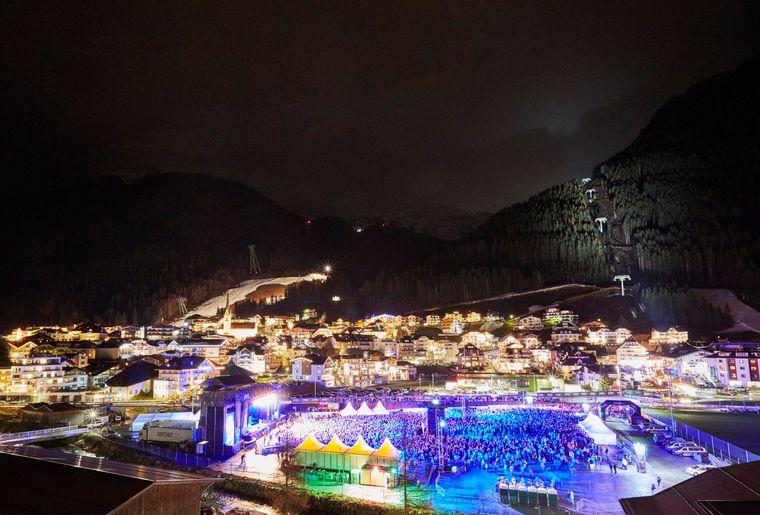 22.000-wintersportler-feierten-am-26.-november-beim-ischgl-opening-den-start-in-die-wintersaison_-c-tvb-paznaun-ischgl---kopie.jpg