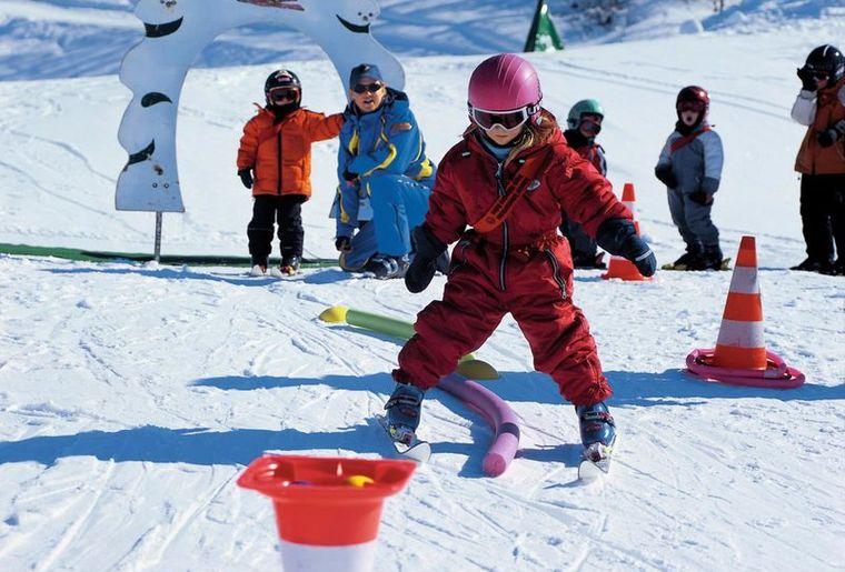 Schneesportschule_Brigels-Waltensburg-Andiast_1_front_large (1).jpg