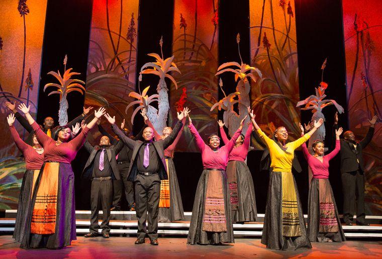 cape-town-opera-chorus-foto-03-credit-kim-stevens.jpg