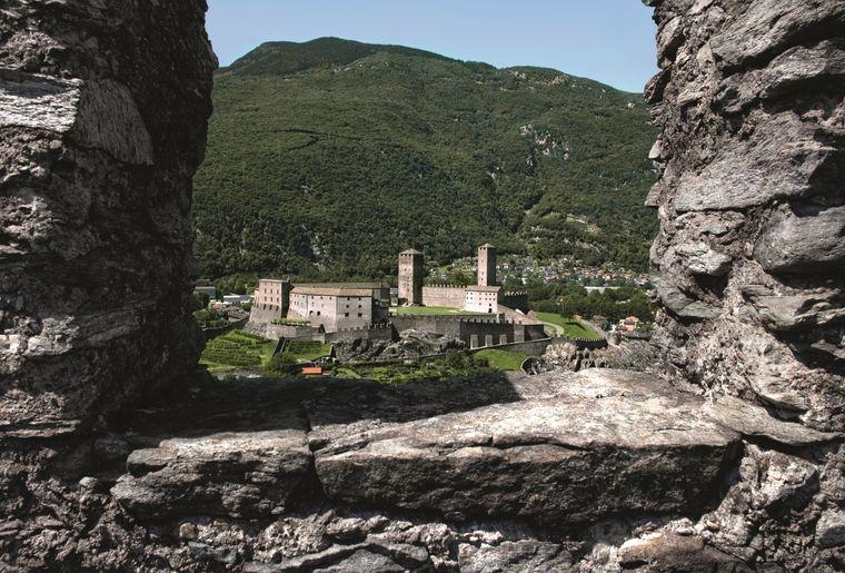 Schloss_Bellinzona.jpg
