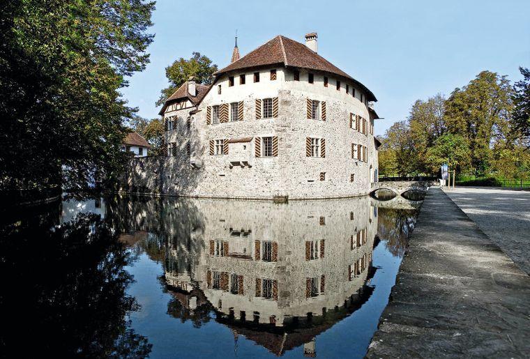 Schloss_Hallwyl.jpg