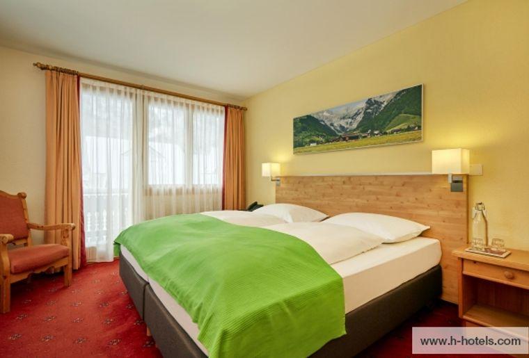 normal_zimmer-comfort-doppelzimmer-04-hplus-hotel-sonnwendhof-engelberg.jpg