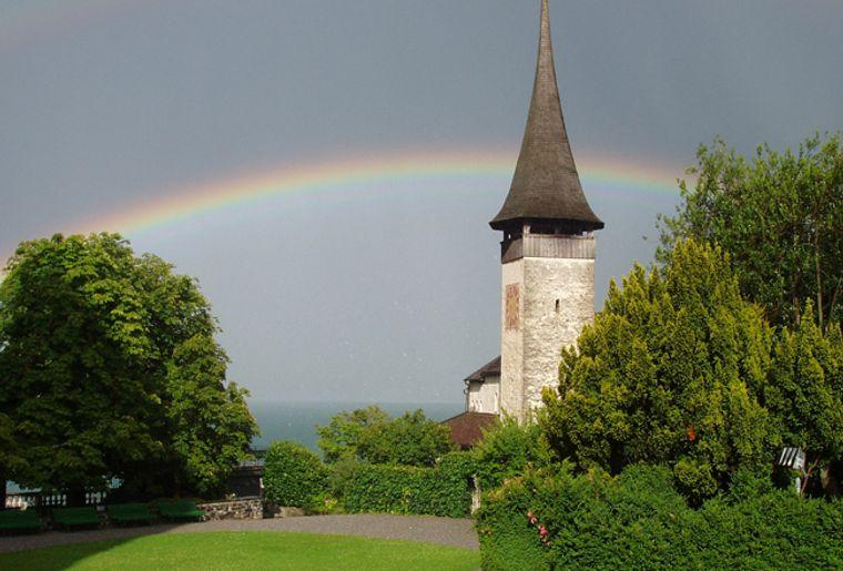 Schloss_Spiez_Garten_red.jpg