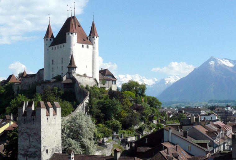 Schloss_Thun2_red.jpg