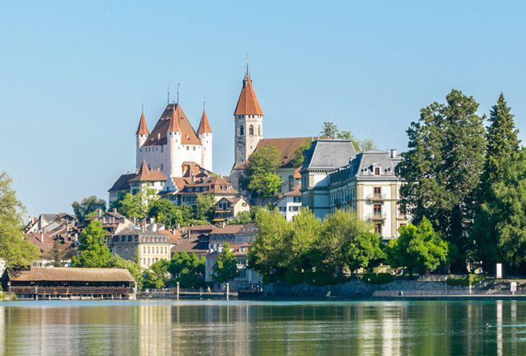 Schloss_Thun1_red.jpg