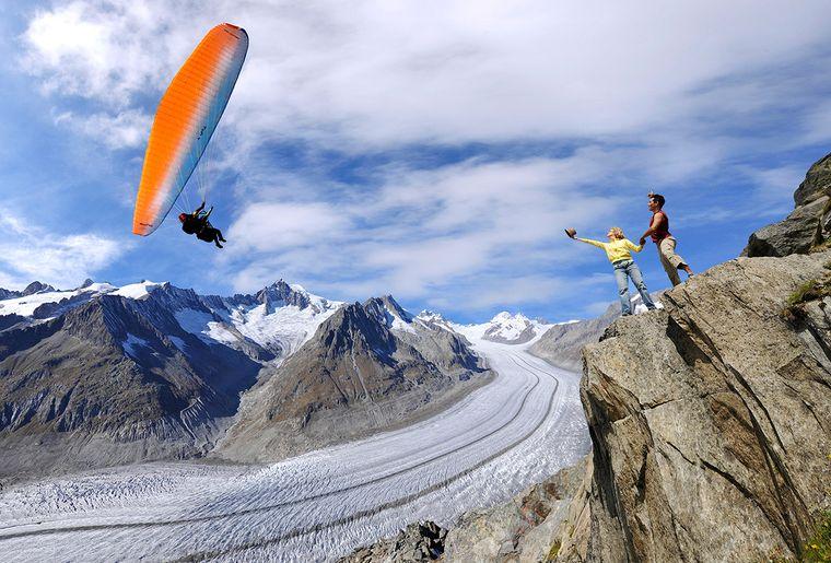 Gleitschirm-Gletscher-Aletsch-Arena-cp.jpg