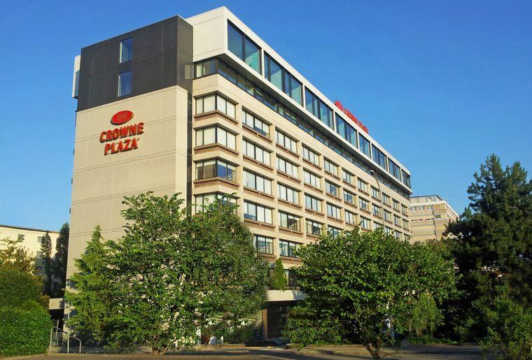 Crowne_Plaza_Geneva_Building.JPG
