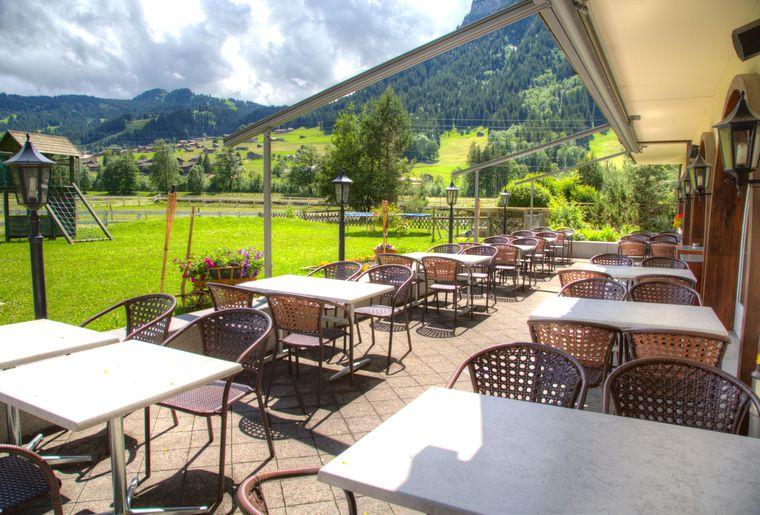 Terrasse-hotel-simmenhof.jpg