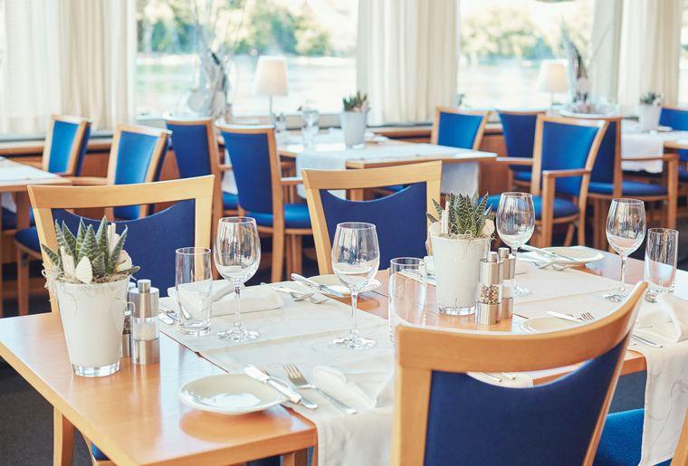 Dine Around_Schiff_Restaurant.jpg