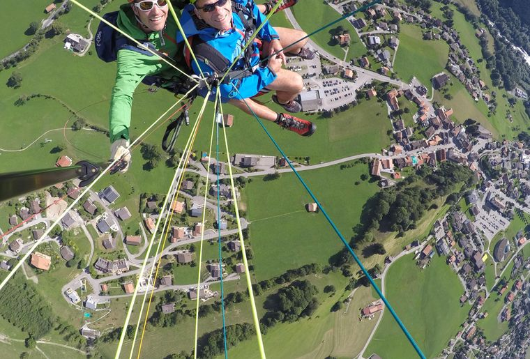 paragliding-gruyere-charmey-2.jpg