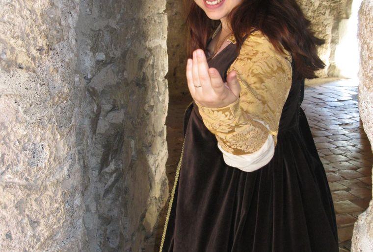 Visite guidée en costume - Copyright Fondation du château de Chillon.JPG