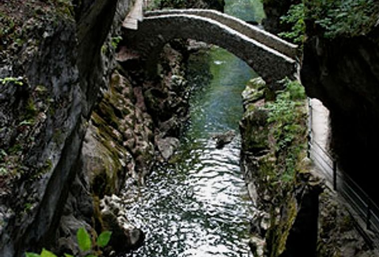 Gorges_areuse.jpg