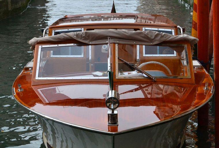 Taxiboot.jpg