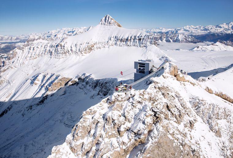 PeakWalkbyTissot_(c)Glacier3000 (1).jpg