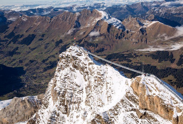 PeakWalkbyTissot_(c)Glacier3000 (3).jpg