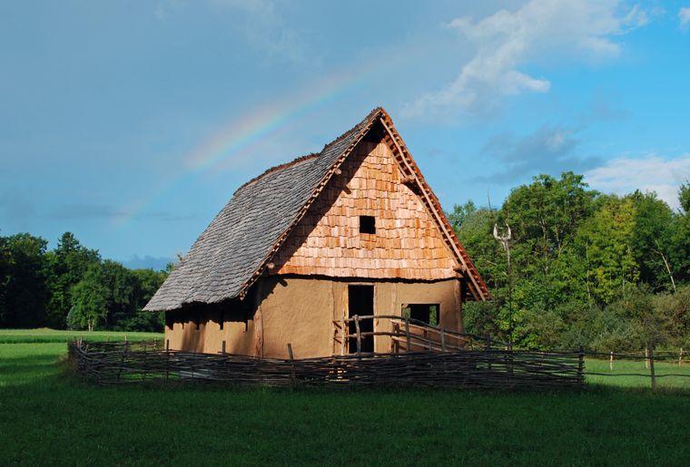 Bronzezeitliches Haus.jpg