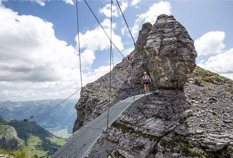 Klettersteig Braunwald Charlotte Bridge.jpg